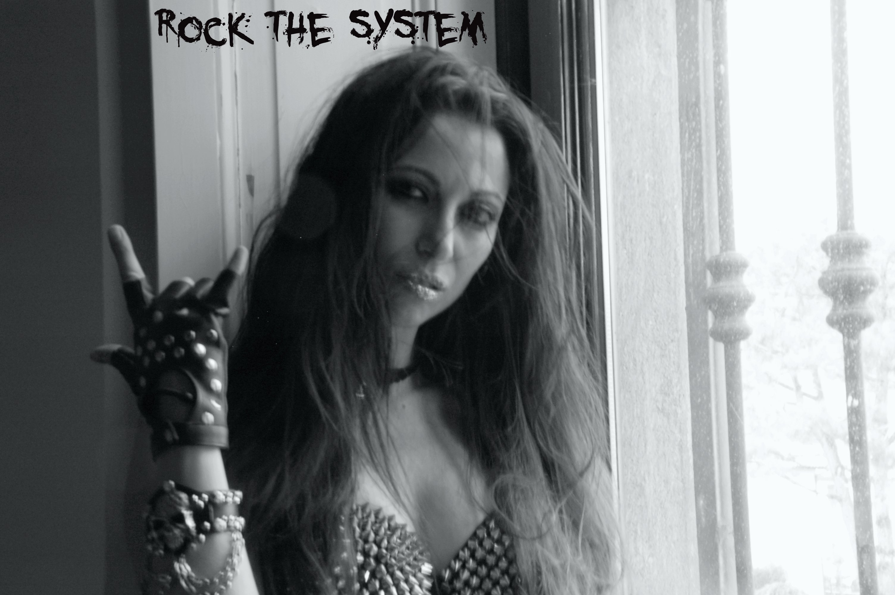 Silversnake Michelle Rock and fuck the system