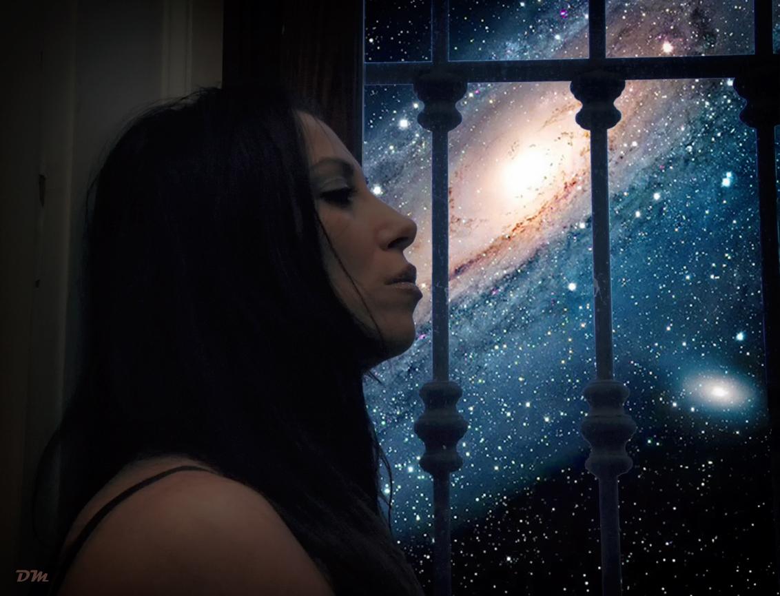 Silversnake Michelle looking Universe 432 herz