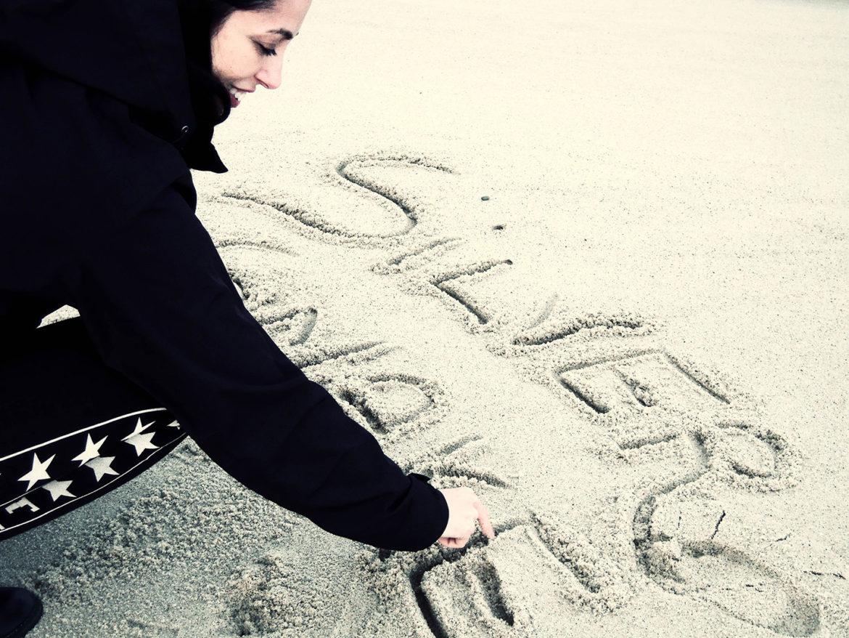 Silversnake Michelle write in sand