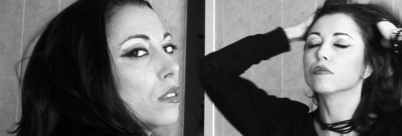 Silversnake-Michelle Mirror alice attraverso lo specchio