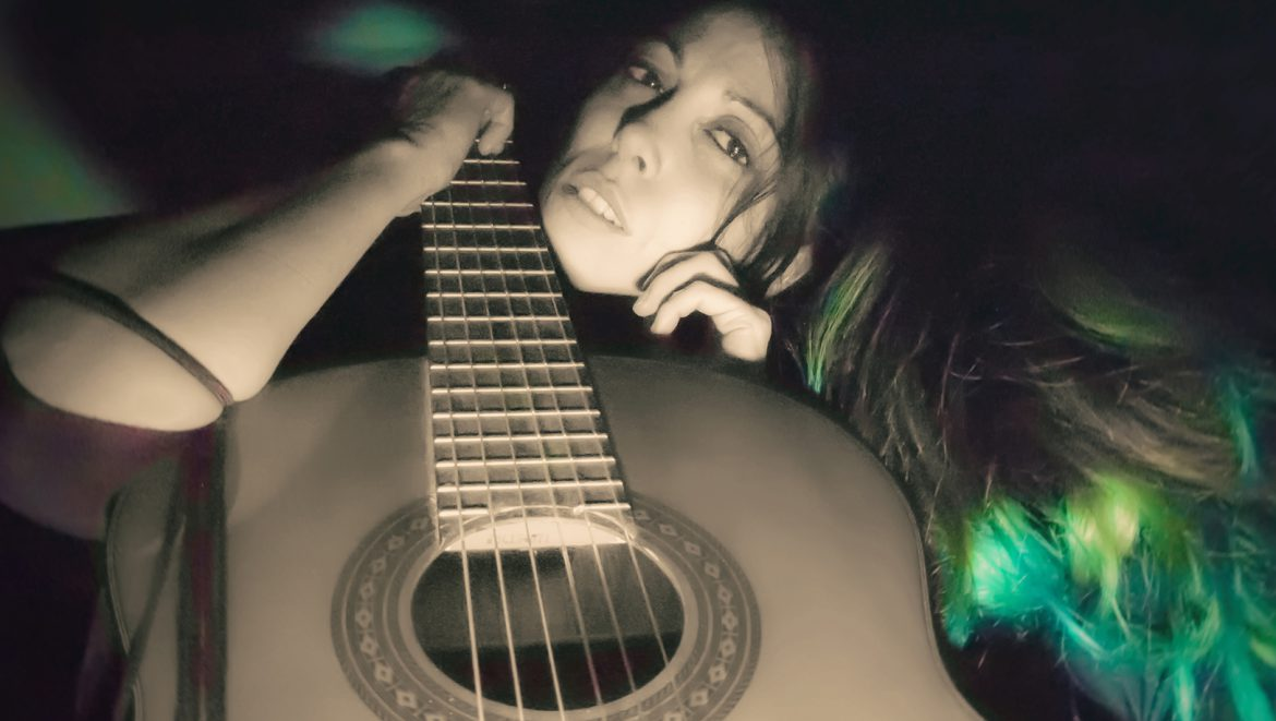 Silversnake Michelle dreaming green guitar
